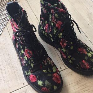 T.U.K boots